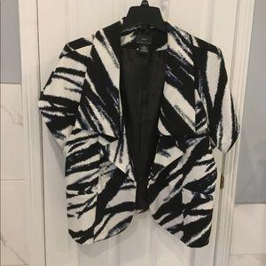 NYC Shirt Sleeve Slimming Blazer